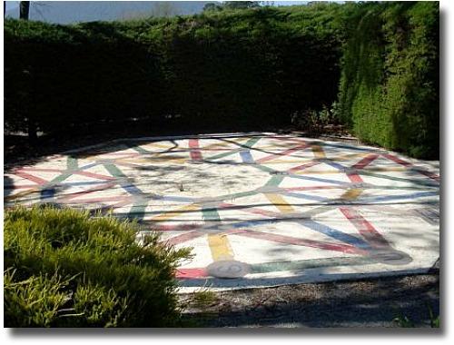 Rainbow Puzzle - Hedgend Maze Healesville Victoria