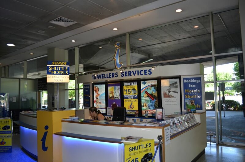 Shuttle service booth at Tullamarine Airport compliments of https://flic.kr/p/aGM3hZ