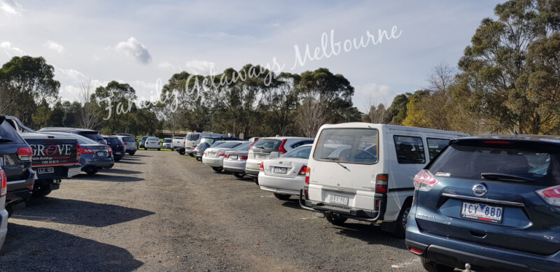 parking at the akoonah park market