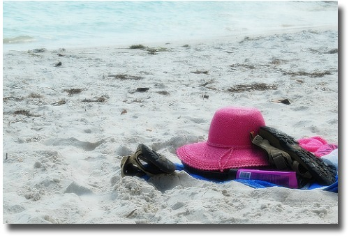 Pink beach hat compliments of http://www.flickr.com/photos/mysza/2578615241/