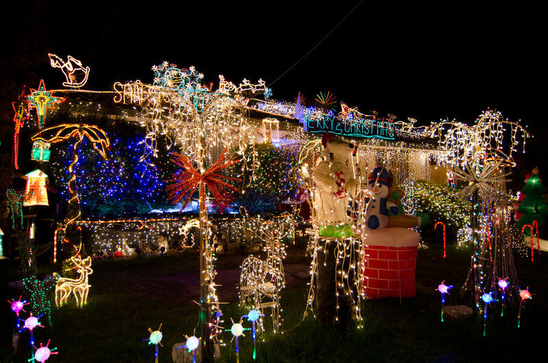 Christmas Lights displayed proudly in Mulgrave an outer Melbourne suburb compliments of https://flic.kr/p/9qicEX