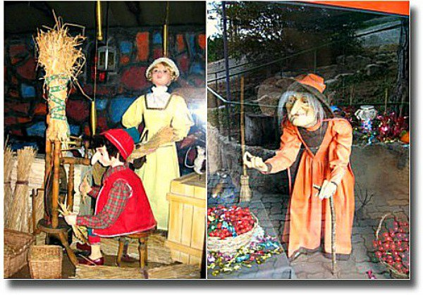 Puppet displays at Anakie Fairytale Park Victoria