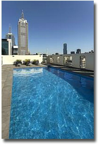 Rooftop pool at the Hotel Grand Chancellor Melbourne