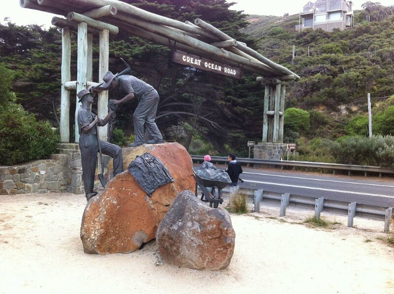 Great Ocean Road statue tribute