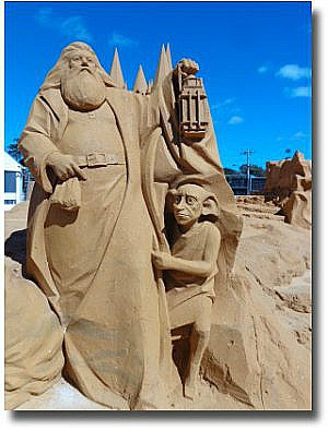 Hogwarts and Dobby in Sand at the frankston sand Sculpting Festival 2014