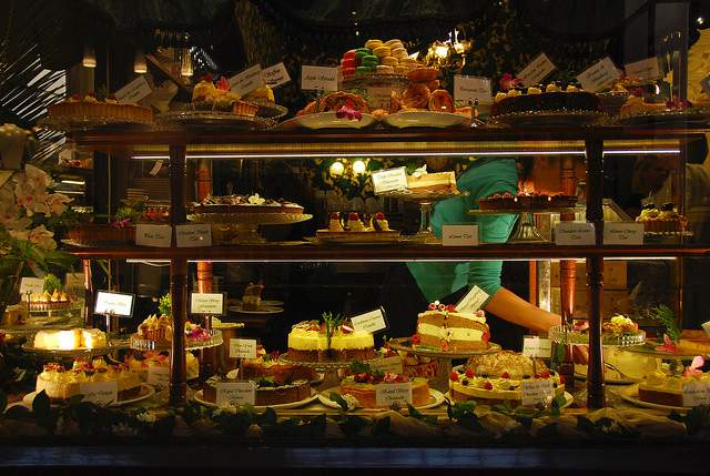 Selection Of Delicious Cakes And Pastries At The Hopetoun Tea Rooms compliments https://flic.kr/p/jtLTMi