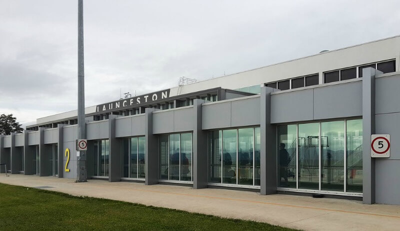 Launceston Airport compliments of Coekon (Own work) [CC BY-SA 4.0 (http://creativecommons.org/licenses/by-sa/4.0)], via Wikimedia Commons