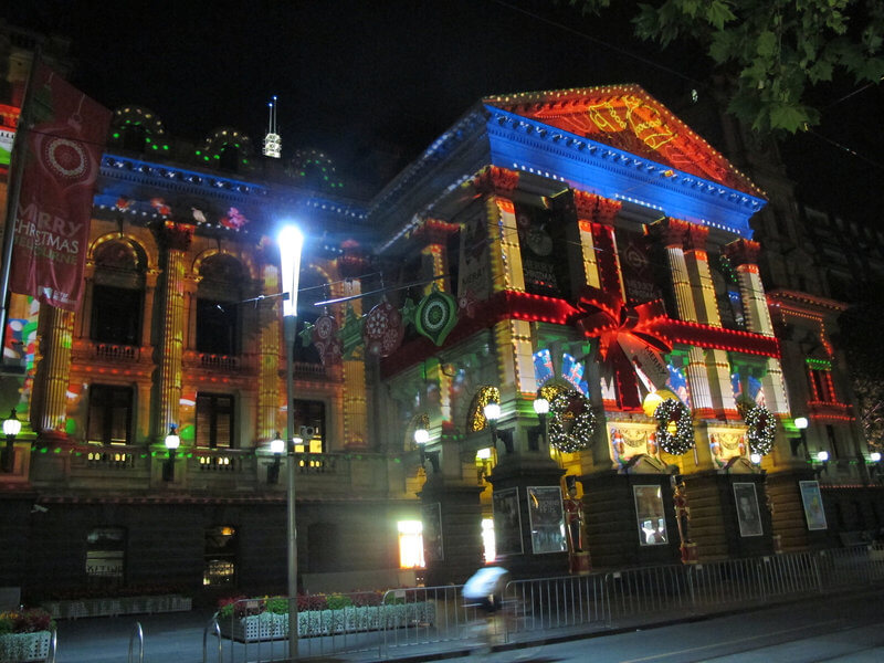 Melbourne Town Hall lights up with Christmas projections compliments of https://flic.kr/p/i7HuXt