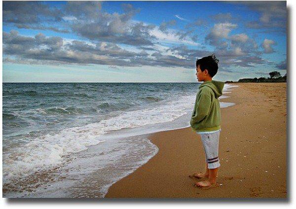 Overlooking the ocean compliments of  http://www.flickr.com/photos/60mls/2423091846/