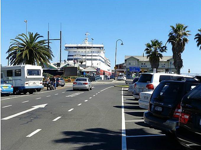 Parking at Port Melbourne Beach