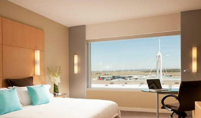 A Luxurious Parkroyal Airport Hotel Bedroom