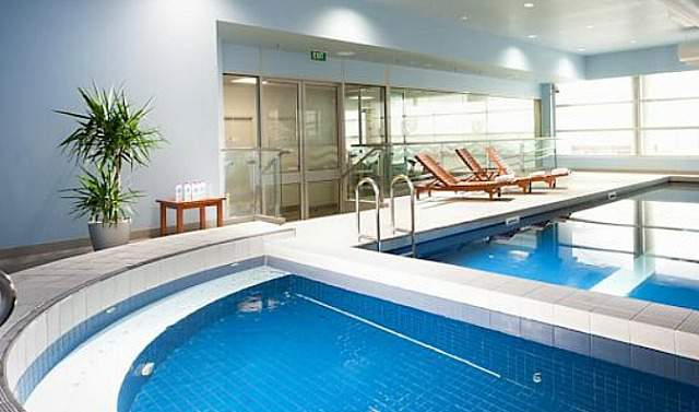 The Parkroyal Airport Hotel Swimming Pool
