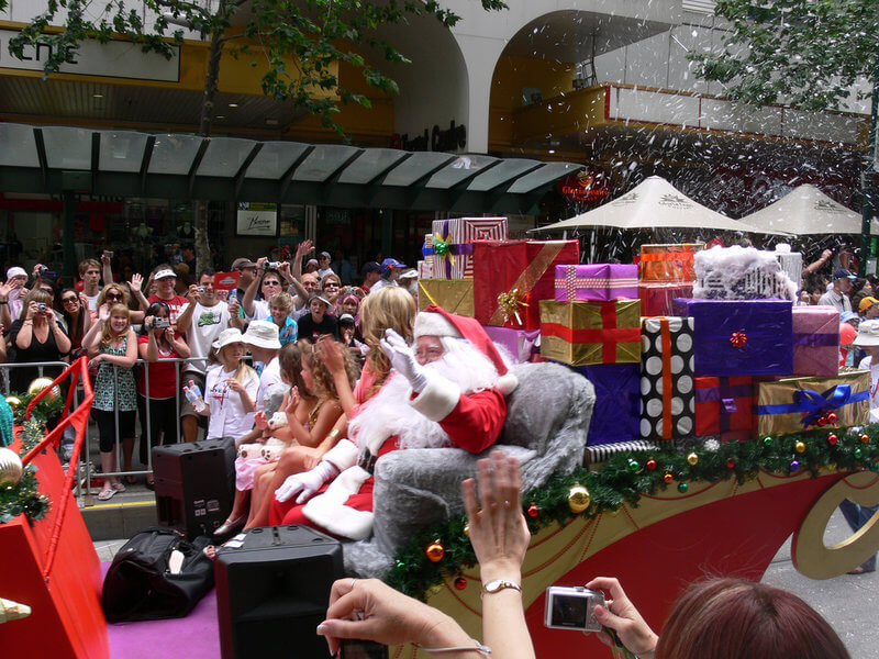 Myer Christmas Parade with Santa in Melbourne Australia year 2007 compliments of https://flic.kr/p/4n8Cae