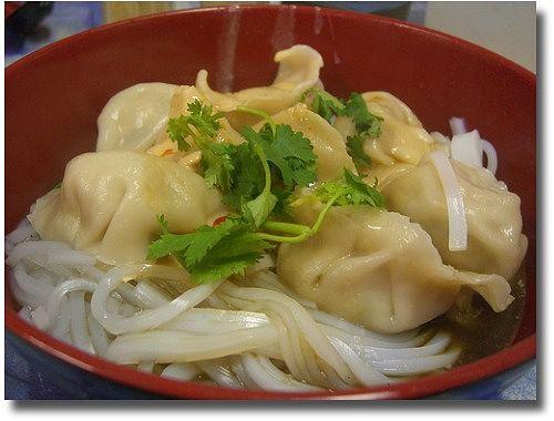 Shanghai Noodle House Chinatown Melbourne Australia compliments of http://www.flickr.com/photos/avlxyz/2122084198/