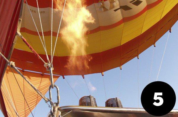 viator tour in a hot air balloon over Melbourne