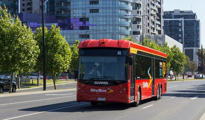 Skybus by Liamdavies (Own work) [CC BY-SA 3.0 (http://creativecommons.org/licenses/by-sa/3.0)], via Wikimedia Commons