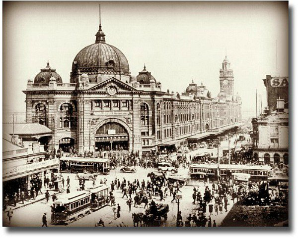 Old picture of Swanston and Flinders Street Intersection circa 1920's