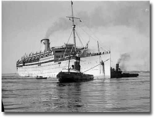 Migrant ship Austurias in Port Phillip Bay