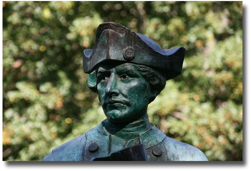 Statue of Captain James Cook in Fitzroy Gardens melbourne Australia compliments of http://www.flickr.com/photos/alex_hh/400722208/