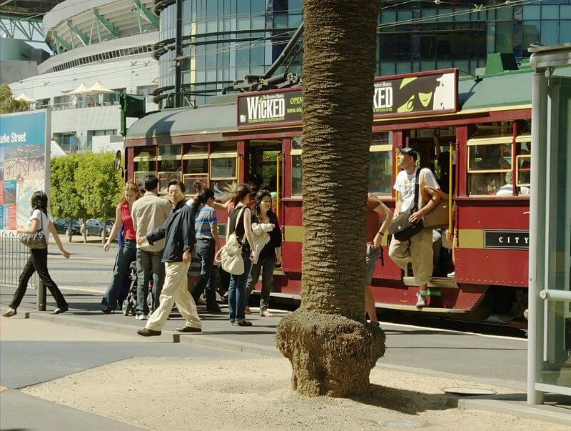 Getting off the City Circle tram to explore melbourne, Australia compliments of  http://www.flickr.com/photos/delcond/2317144065/