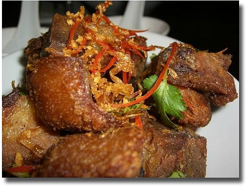 Longrain Melbourne restaurant compliments of http://www.flickr.com/photos/avlxyz/141662996/