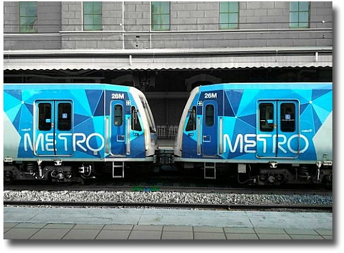 Metro Melbourne train at Flinders Street compliments of http://www.flickr.com/photos/bonitoclub/7028096801/