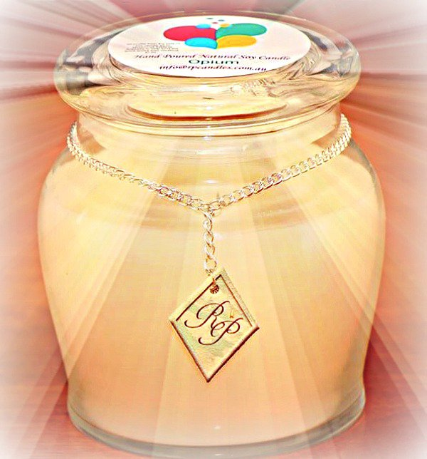 D.j's Market in Narre Warren South Soy candle used for fundraising