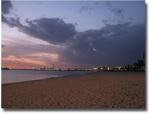 Port Melbourne at dusk compliments of http://www.flickr.com/photos/melburnian/2985759353/in/photostream/